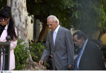 Άκης Τσοχατζόπουλος: Ελεύθερος με απαγόρευση εξόδου από τη χώρα (pics) | Pagenews.gr