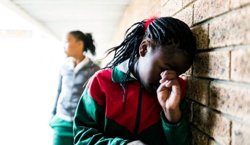 Bullying και σχολικός εκφοβισμός: Τα σημάδια, η πρόληψη, οι διαφορετικές μορφές του | Pagenews.gr