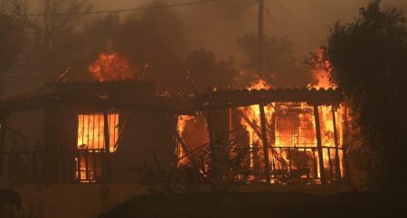 Πληγέντες: Κρανίου τόπος η Κινέτα – Πάνω από 200 σπίτια έχουν καταστραφεί | Pagenews.gr