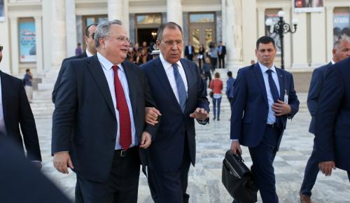 Η Μόσχα βγάζει ψεύτη τον Κοτζιά – Η Ελλάδα ζήτησε την επίσκεψη Λαβρόφ, όχι εμείς | Pagenews.gr