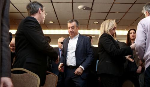 «Χωρίζουν» Ποτάμι και Κίνημα Αλλαγής – Ο Θεοδωράκης ζήτησε την αποχώρηση   Pagenews.gr