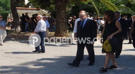 Μάνος Αντώναρος: Πλήθος κόσμου για το «τελευταίο» αντίο (pics&vid) | Pagenews.gr