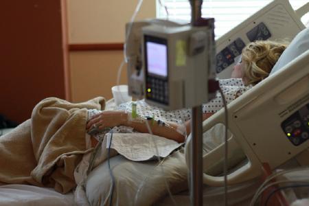 Η Ευρωπαϊκή Επιτροπή ανέδειξε την ισότιμη και έγκαιρη πρόσβαση των ασθενών στις τεχνολογίες της υγείας | Pagenews.gr