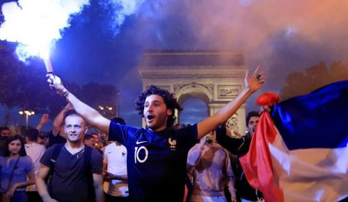 Μουντιάλ 2018: Παροξυσμός στη Γαλλία για τους Παγκόσμιους Πρωταθλητές | Pagenews.gr