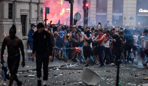 Γαλλία: Επεισόδια, νεκροί και τραυματίες στους πανηγυρισμούς για την κατάκτηση του Μουντιάλ | Pagenews.gr