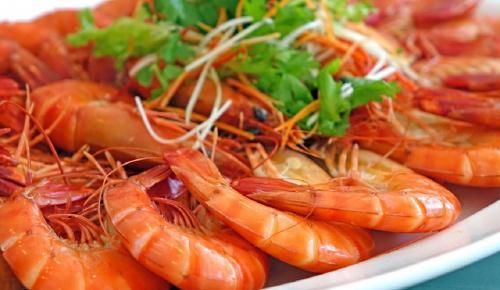 Η συνταγή της ημέρας: Γαρίδες σοτέ με κρασάκι | Pagenews.gr