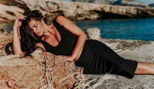 Οι σέξι πόζες της Μαρίας Κορινθίου στα Κουφονήσια (pics) | Pagenews.gr