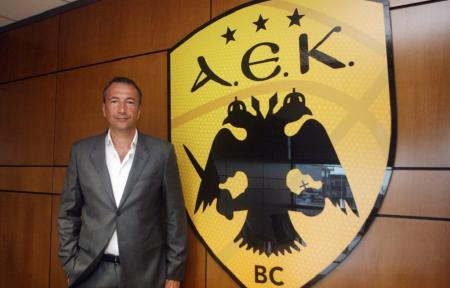 Νέος κόουτς της ΑΕΚ ο Λούκα Μπάνκι   Pagenews.gr