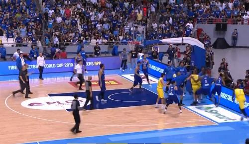Απίστευτο ξύλο σε αγώνα μπάσκετ (vid) | Pagenews.gr