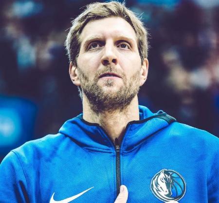 Ο Νοβίτσκι ανανέωσε το συμβόλαιό του με τους Μάβερικς | Pagenews.gr