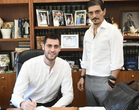 Το… κόλπο του Δημήτρη: Ο όρος στο συμβόλαιο του Παπαγιάννη που «διώχνει» το NBA | Pagenews.gr