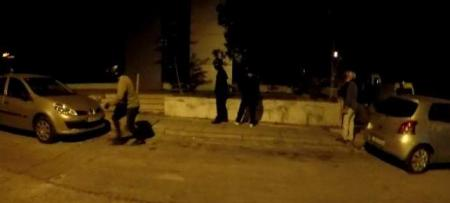 Ρουβίκωνας: Επίθεση με βαριοπούλες στη ΔΟΥ Ψυχικού (vid) | Pagenews.gr