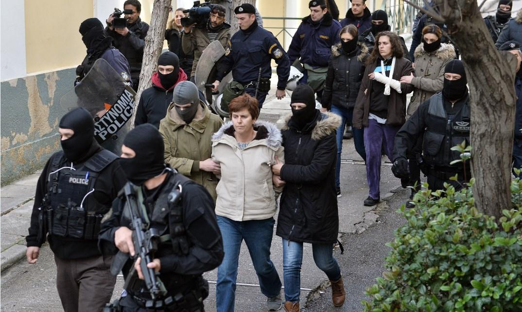 Πόλα Ρούπα: Ισόβια και 25 χρόνια για την επίθεση στην ΤτΕ και τα γραφεία του ΔΝΤ | Pagenews.gr