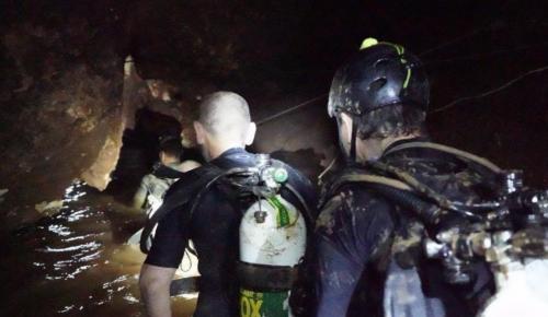 Ταϊλάνδη διάσωση: Οκτώ παιδιά διασώθηκαν – Σταματούν τις επιχειρήσεις οι διασώστες | Pagenews.gr
