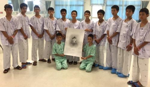 Ταϊλάνδη: Τα 12 αγόρια που διασώθηκαν μιλούν για πρώτη φορά | Pagenews.gr