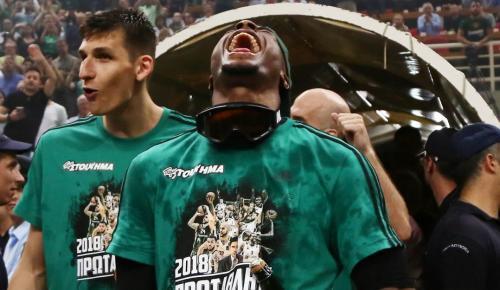 Θανάσης Αντετοκούνμπο: Και επίσημα ο πιο θεαματικός παίκτης της σεζόν | Pagenews.gr