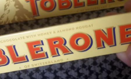 H σοκολάτα Toblerone αλλάζει και πάλι σχήμα | Pagenews.gr