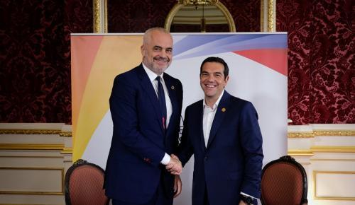 Τσίπρας – Ράμα: Σύντομα θετικές εξελίξεις στις ελληνοαλβανικές σχέσεις | Pagenews.gr