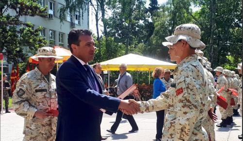 Ο Ζάεφ προτρέχει: Μιλά για «μακεδονικό στρατό» – Θεωρεί δεδομένη την ένταξη στο ΝΑΤΟ | Pagenews.gr