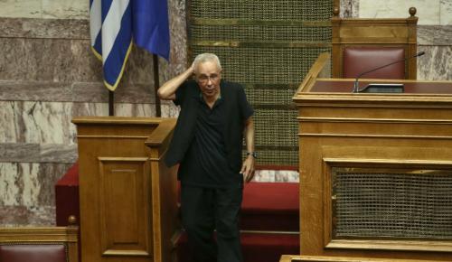 Ζουράρις σε Κοτζιά: «Έχουμε πάθει σμίκρυνση κεφαλής – Εμάς τους Μακεδόνες μας ακρωτηριάσατε» | Pagenews.gr