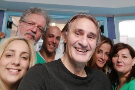 Άκης Σακελλαρίου: Οι πρώτες του δηλώσεις μετά την περιπέτεια υγείας του (vid) | Pagenews.gr