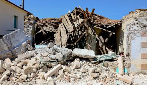 Σεισμός: Σύσκεψη στη Βρίσα για τα κτίρια μνημεία που υπέστησαν ζημιές   Pagenews.gr