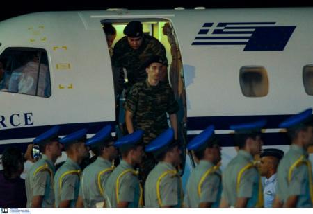 ΕΛΛΗΝΕΣ ΣΤΡΑΤΙΩΤΙΚΟΙ: Το αντάλλαγμα και το παρασκήνιο της απελευθέρωσής τους | Pagenews.gr