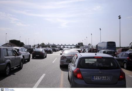 Θεσσαλονίκη: Επιστρέφουν σταδιακά στην πόλη χιλιάδες αδειούχοι (pics) | Pagenews.gr