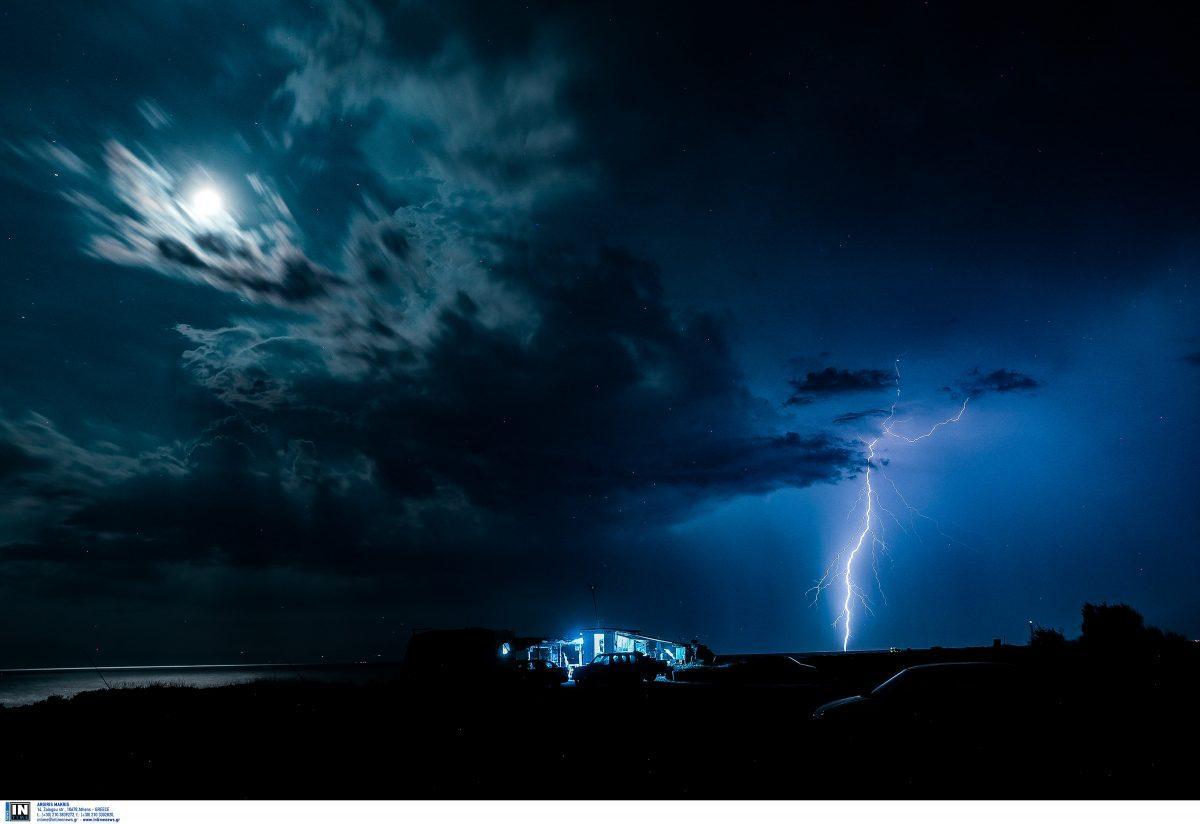 Θεσσαλονίκη: Εικόνες που κόβουν την ανάσα από την ηλεκτρική καταιγίδα (pics)   Pagenews.gr