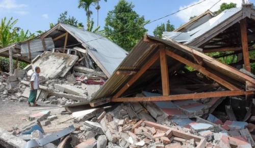 Ινδονησία: Στους 131 οι νεκροί από το φονικό σεισμό   Pagenews.gr