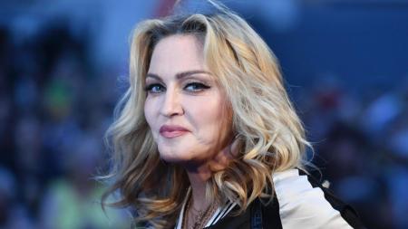 ΜΑΝΤΟΝΑ: Η «βασίλισσα» της ποπ έγινε 60 (pics&vids) | Pagenews.gr