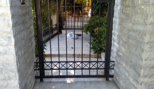 Δήμος Αχαρνών: Δημοτικός σύμβουλος προειδοποιεί για τον νέο τρόπο δράσης των διαρρηκτών | Pagenews.gr