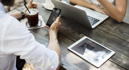 Πρόσεχε πριν κάνεις «κλικ»: Ο κίνδυνος για τον υπολογιστή ή το κινητό σου τηλέφωνο | Pagenews.gr