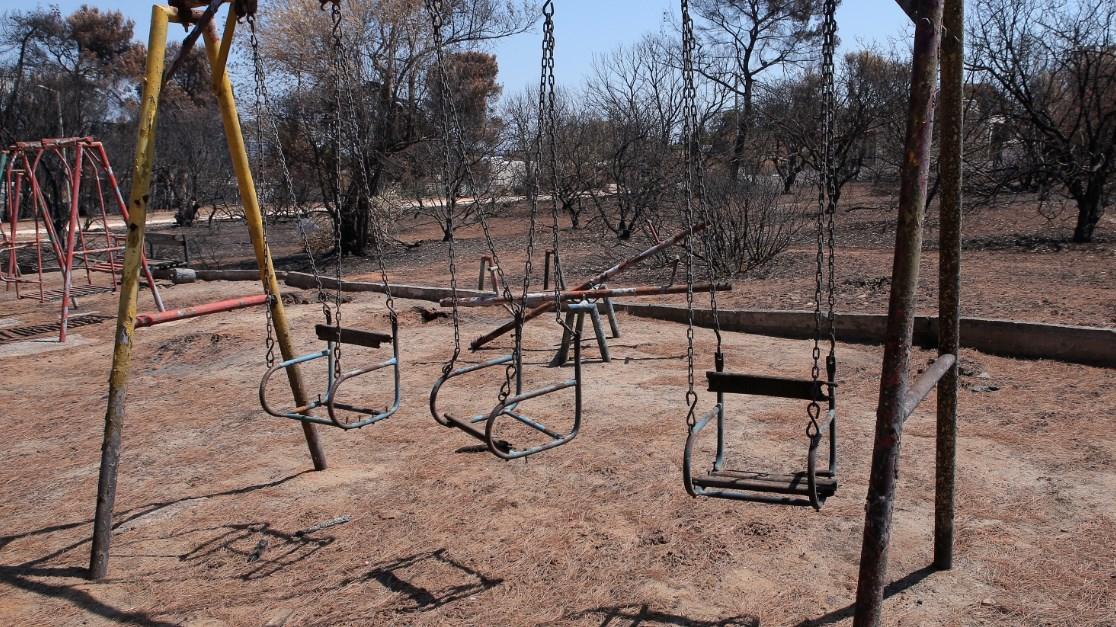 ΜΑΤΙ ΑΤΤΙΚΗΣ: Στιγμιότυπα ένα μήνα μετά τις φονικές πυρκαγιές | Pagenews.gr