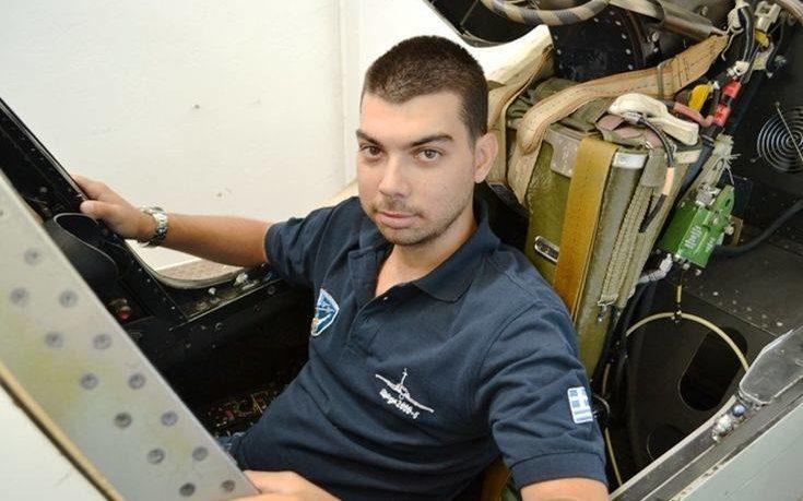 Μιχάλης Τσάλτας: Ο άνθρωπος που κατασκευάζει στο σπίτι του πιλοτήριο μαχητικού αεροσκάφους   Pagenews.gr