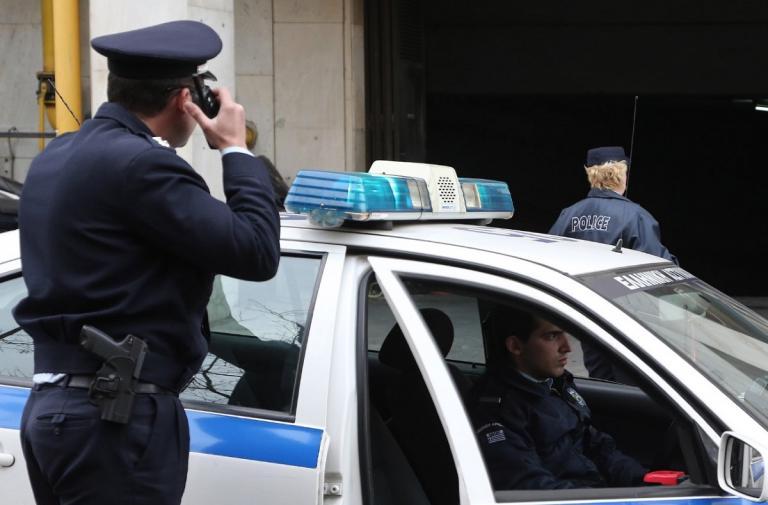Εφοριακός και υπάλληλος του ΕΦΚΑ σε κύκλωμα νομιμοποίησης αλλοδαπών | Pagenews.gr