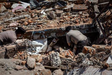Ινδονησία: Αυξάνεται ο τραγικός απολογισμός από το σεισμό – Στους 319 οι νεκροί | Pagenews.gr