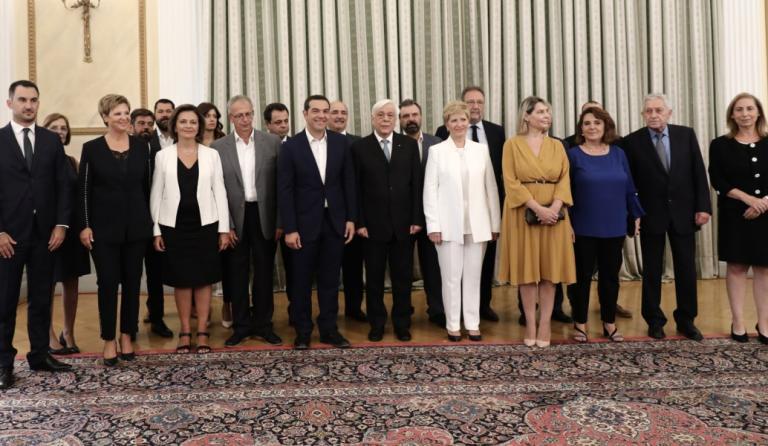 Ανασχηματισμός: Ποιοι ορκίστηκαν με θρησκευτικό και ποιοι με πολιτικό όρκο (pics&vid)   Pagenews.gr