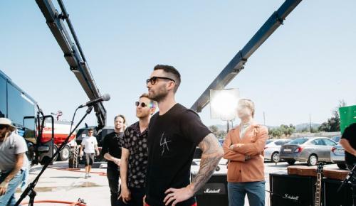 Οι «Maroon 5» πωλούν μουσικά όργανα και τον εξοπλισμό τους | Pagenews.gr