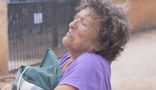 Μάτι: Η συγκλονιστική μαρτυρία της γυναίκας που επέζησε από το οικόπεδο του θανάτου | Pagenews.gr