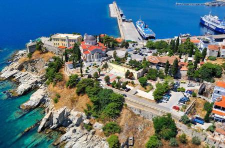 Παναγία Κοίμηση της Θεοτόκου: Οι εκκλησίες της θάλασσας και του βουνού όπου τιμάται η χάρη Της | Pagenews.gr