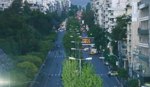 Πεντάχρονος περιφερόταν μόνος του τα ξημερώματα στην Λεωφόρο Αλεξάνδρας | Pagenews.gr