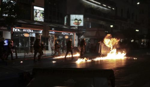 Αγρίνιο: Έξι συλλήψεις για τα επεισόδια στην πορεία για τον Φύσσα | Pagenews.gr