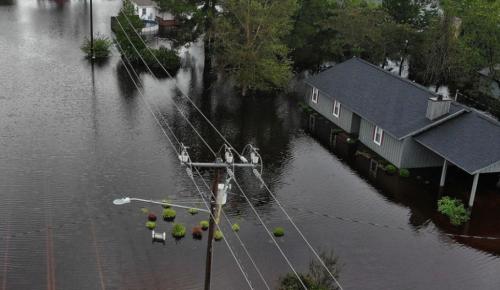 ΗΠΑ: Τουλάχιστον 31 νεκροί από τον κυκλώνα Φλόρενς | Pagenews.gr
