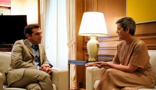 Τσίπρας: Συνάντηση με την Ευρωπαία επίτροπο για την πολιτική ανταγωνισμού | Pagenews.gr