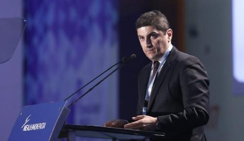Αυγενάκης για κυβέρνηση: «Είναι πολιτική συμμορία που πλέον καταρρέει σε κοινή θέα»   Pagenews.gr
