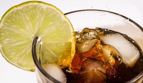 Στα σκαριά νέα Coca Cola με κάνναβη | Pagenews.gr