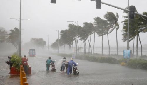 Φιλιππίνες: Στο έλεος του τυφώνα Μανγκούτ – 25 οι νεκροί (pics&vid)   Pagenews.gr