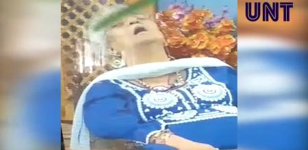 Καθηγήτρια στην Ινδία πέθανε σε ζωντανή μετάδοση ενώ μιλούσε σε τηλεοπτική εκπομπή (vid) | Pagenews.gr
