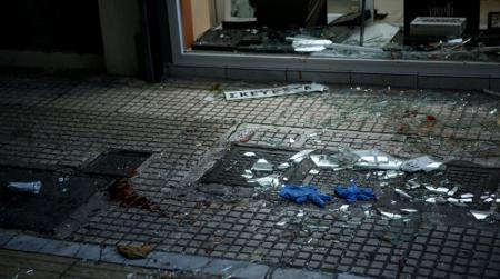 Αιματηρή απόπειρα ληστείας στο κέντρο – Ένας τραυματίας (pics) | Pagenews.gr